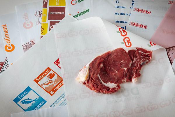 Paper plastificat per a ús alimentari
